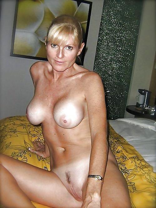 голые взрослые женщины на домашнем видео